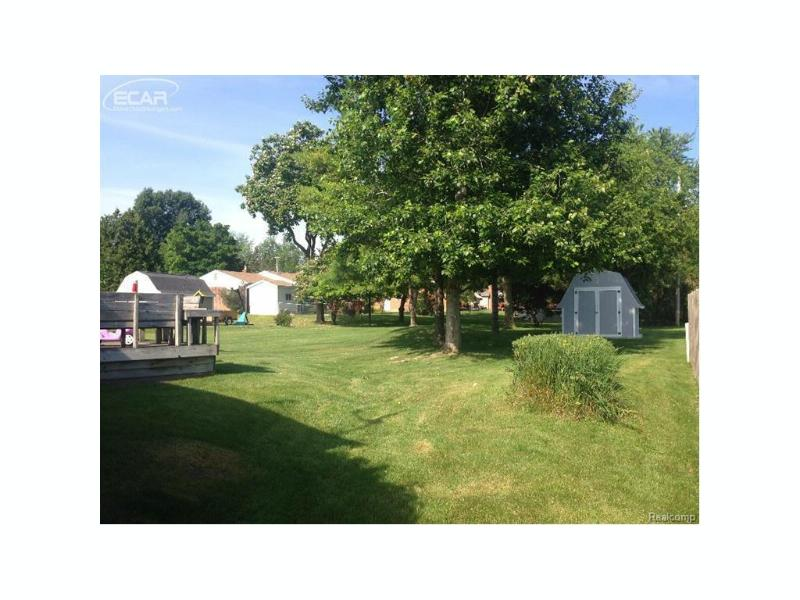 450 Windmill Point Drive Flushing, MI 48433 by Century 21 Woodland Realty $121,000