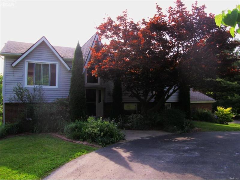 2853  Bullard Rd,  Hartland, MI 48353 by Real Living Tremaine Real Estate.com $185,000
