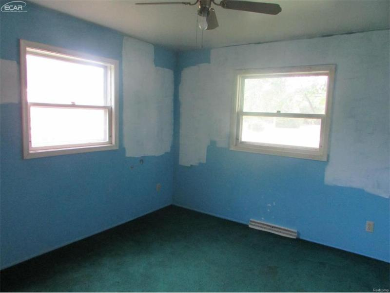 5075 E Carpenter Rd,  Flint, MI 48506 by Remax Grande $54,900