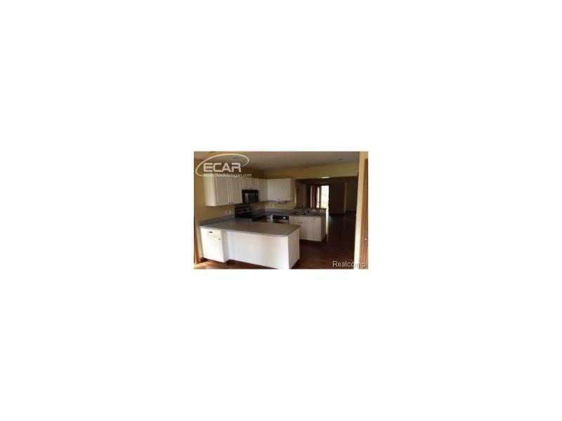 5161  Lin Hill Dr,  Swartz Creek, MI 48473 by Five Lakes Real Estate $140,000