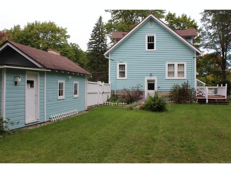 3860  Washington St,  Bridgeport, MI 48722 by Bomic Real Estate $74,900