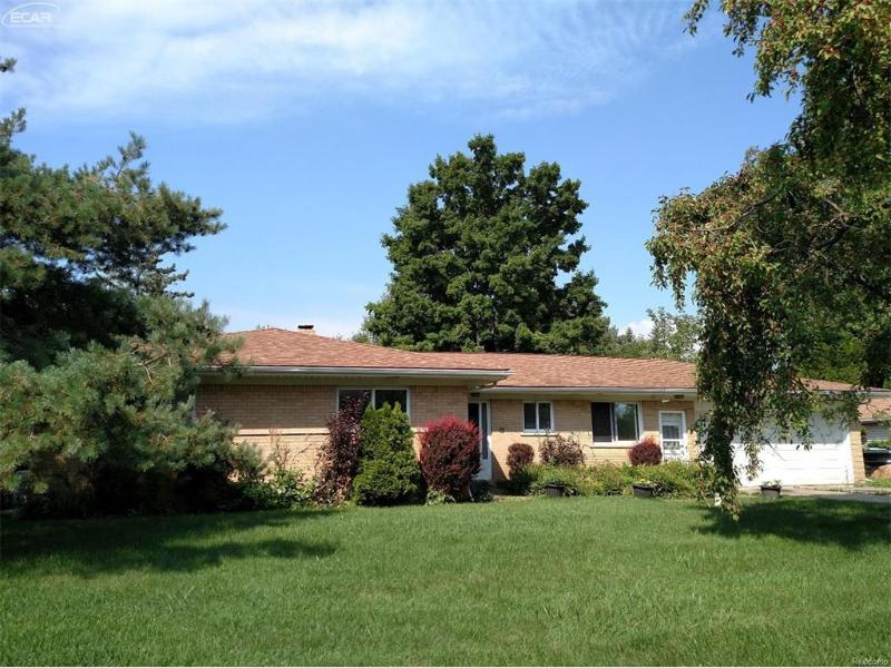 8092  Dungarvin Dr,  Grand Blanc, MI 48439 by Real Living Tremaine Real Estate.com $125,000