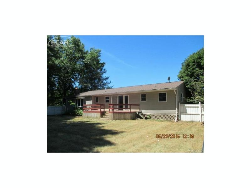 8462 N Seymour Rd,  Flushing, MI 48433 by Inca Realty Llc $109,900