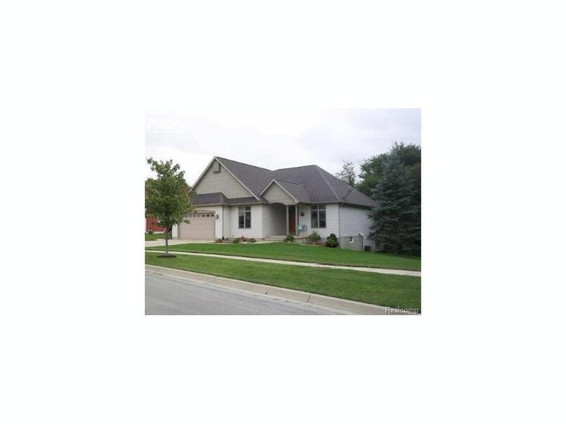 1360 Jackson Drive Owosso, MI 48867 by The Home Office Realty Llc $239,300