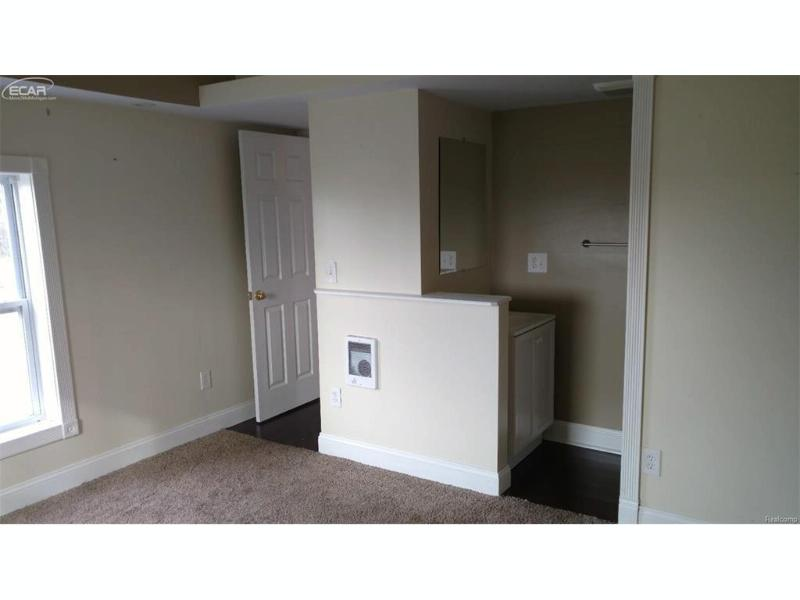 7145 E cole Road Bancroft, MI 48414 by The Drury Group $72,900