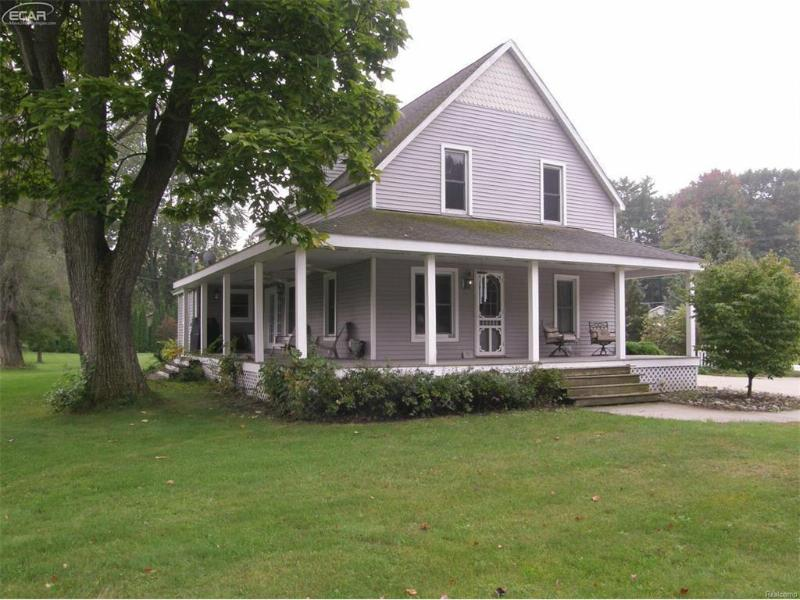 301 W Walnut St,  Saint Charles, MI 48655 by Remax Tri County $79,900
