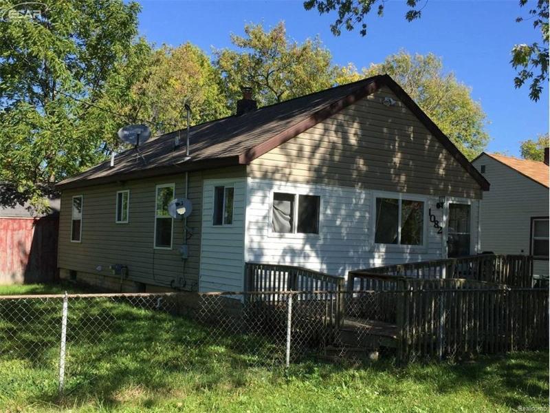 1082 W Juliah Ave,  Flint, MI 48505 by Keller Williams Realty $27,500