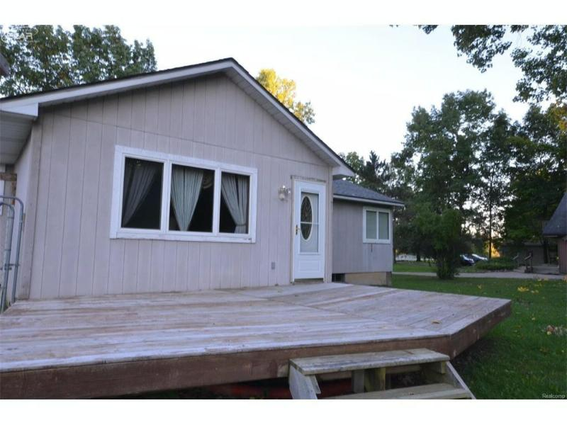 6375 N Belsay Rd,  Flint, MI 48506 by Remax Select $85,000