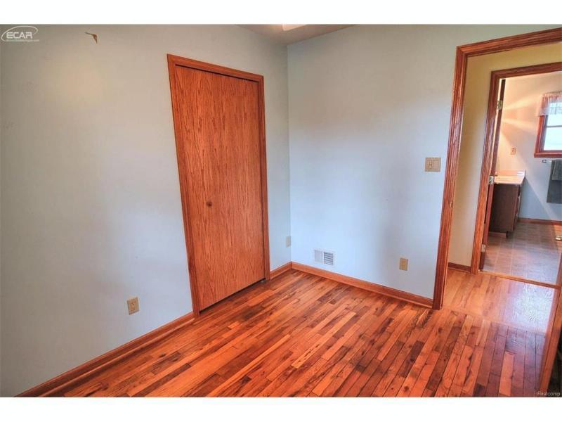 8478  Bristol Rd,  Swartz Creek, MI 48473 by Remax Platinum Fenton $159,999