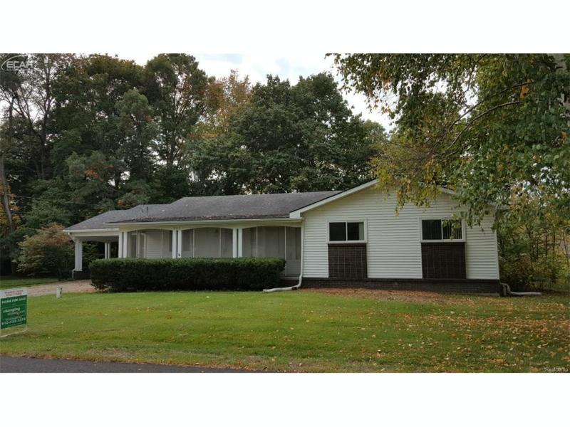 285  Cedar St,  Ortonville, MI 48462 by Changingstreets.com $179,900