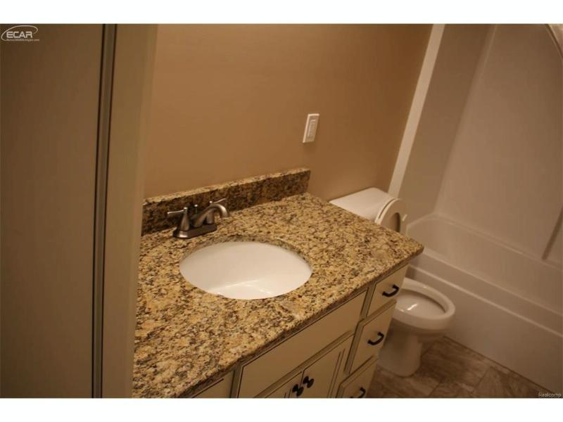 6140  Boulder Dr,  Flushing, MI 48433 by Remax Select $245,900