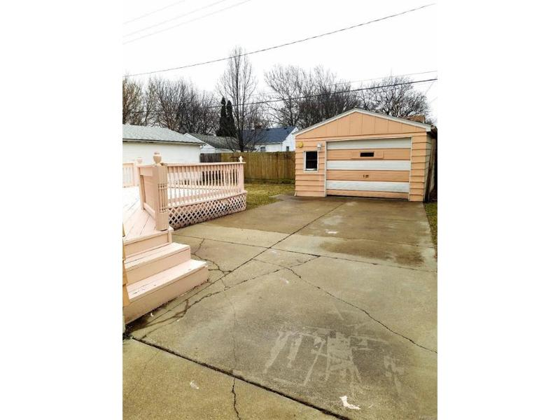 2030 Robert T Longway Boulevard Flint, MI 48503 by Weichert, Realtors - Grant Hamady $44,900