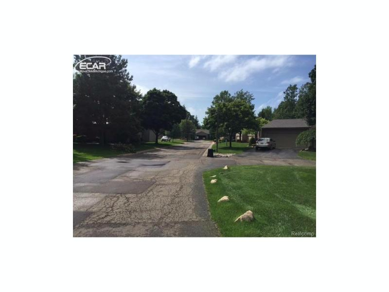 2416 Tanbark Oak Drive Flint, MI 48532 by Berkshire Hathaway Homeservices Michigan Real Esta $119,000
