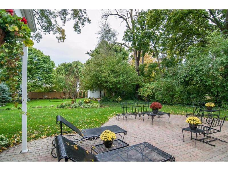 3031 Westwood Parkway Flint, MI 48503 by Piper Realty Company $184,900