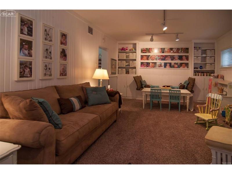 3031  Westwood Pkwy,  Flint, MI 48503 by Piper Realty Company $184,900