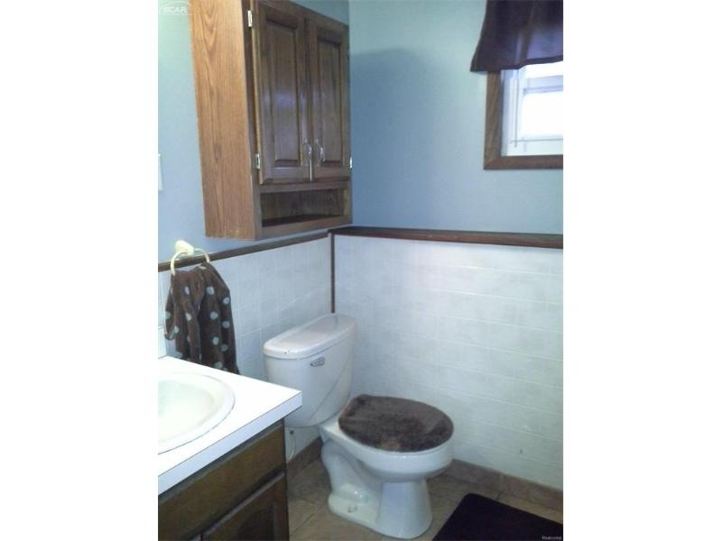 9367  Longmeadow Ct,  Fenton, MI 48430 by Remax Platinum Fenton $174,900