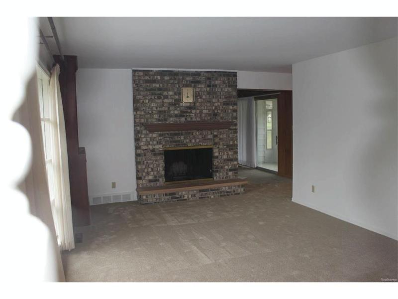 8487  Spydel Dr,  Flushing, MI 48433 by Remax Town & Country $121,900