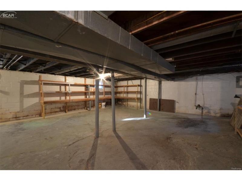 1742  Kentucky Ave,  Flint, MI 48506 by Remax Select $16,500