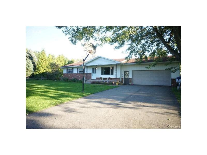 1104  Highview Dr,  Lapeer, MI 48446 by Berkshire Hathaway Homeservices Michigan Real Esta $149,900