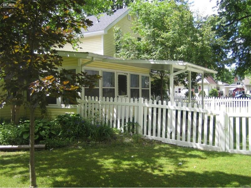 523  South St,  Chesaning, MI 48616 by Piper Realty Company $109,000