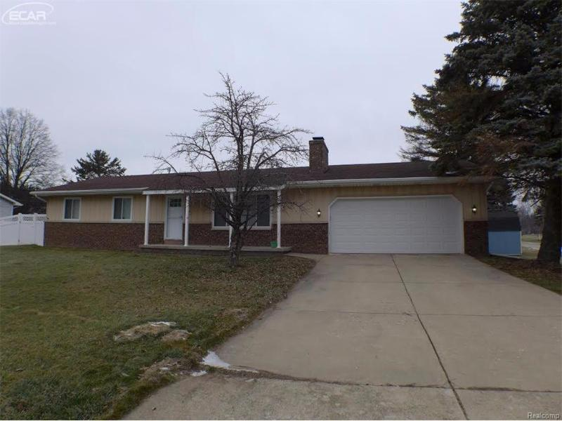 154  Eddy Dr,  Caro, MI 48723 by Remax Plus $109,000
