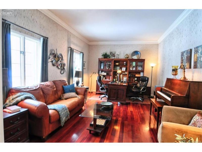 9519  Woodmont Dr,  Grand Blanc, MI 48439 by Remax Platinum Fenton $299,999