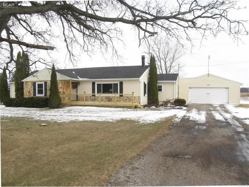 12511  Stuart Rd,  Saint Charles, MI 48655 by Remax Tri County $149,900