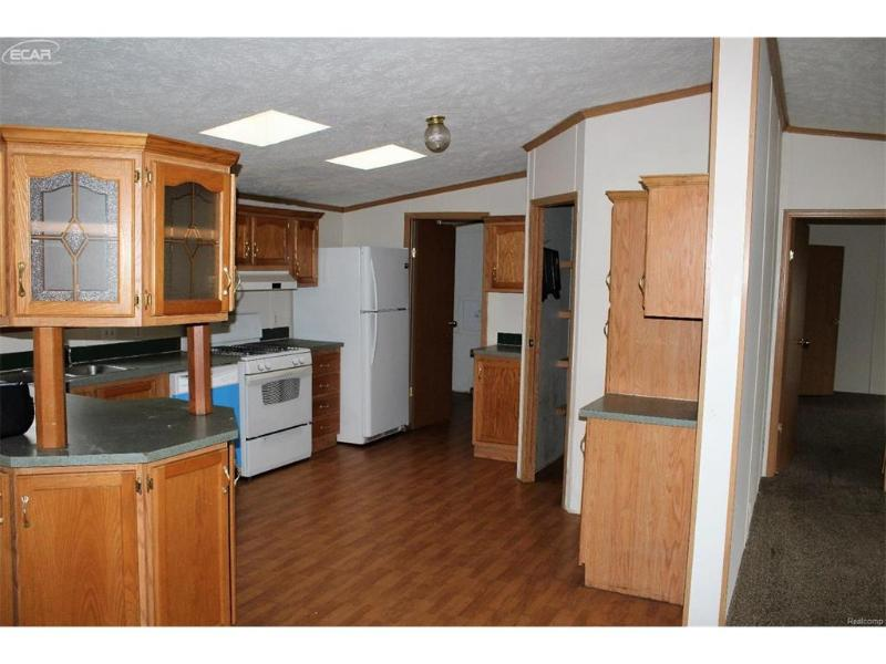 5200  Roberts Dr,  Flint, MI 48506 by Gebrael Management $49,900