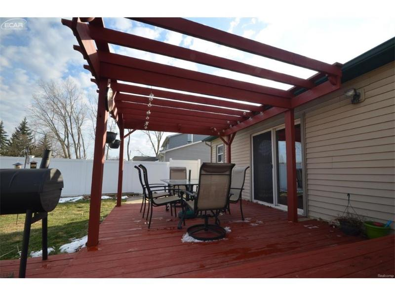12159  Birchwood Ln,  Grand Blanc, MI 48439 by Remax Select $159,900