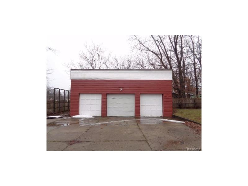 2634  Seneca St,  Flint, MI 48504 by Remax Right Choice $13,900