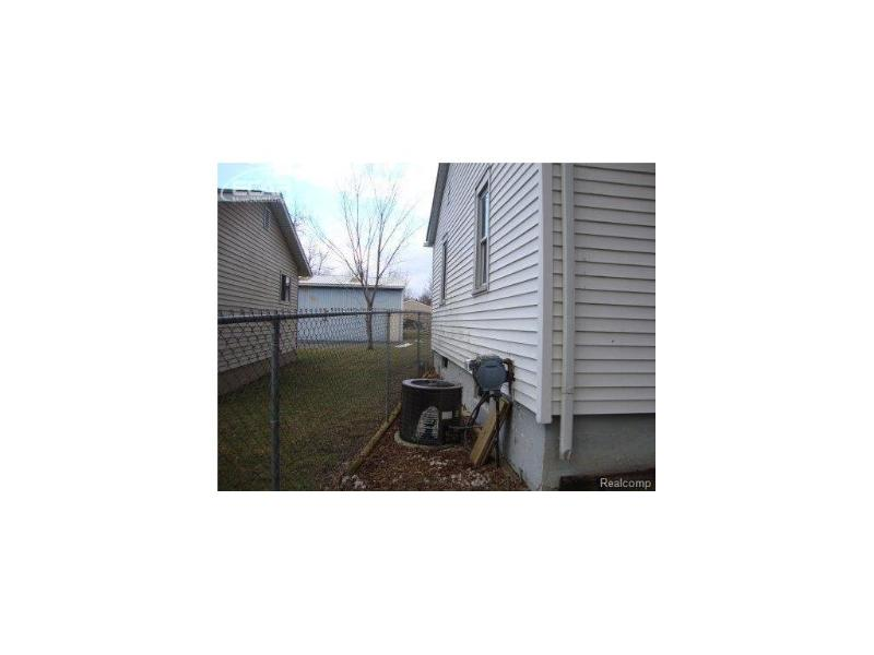 3224  Burnell Ave,  Flint, MI 48504 by Mcguirk Realty Inc. $10,400