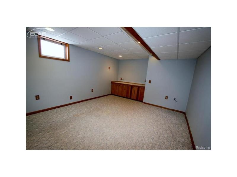 581  Chasseur Dr,  Grand Blanc, MI 48439 by Coldwell Banker Kuehnle & Asso $270,000