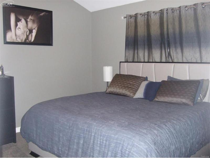 8495  Deer Field Dr,  Davison, MI 48423 by Remax Plus $199,850