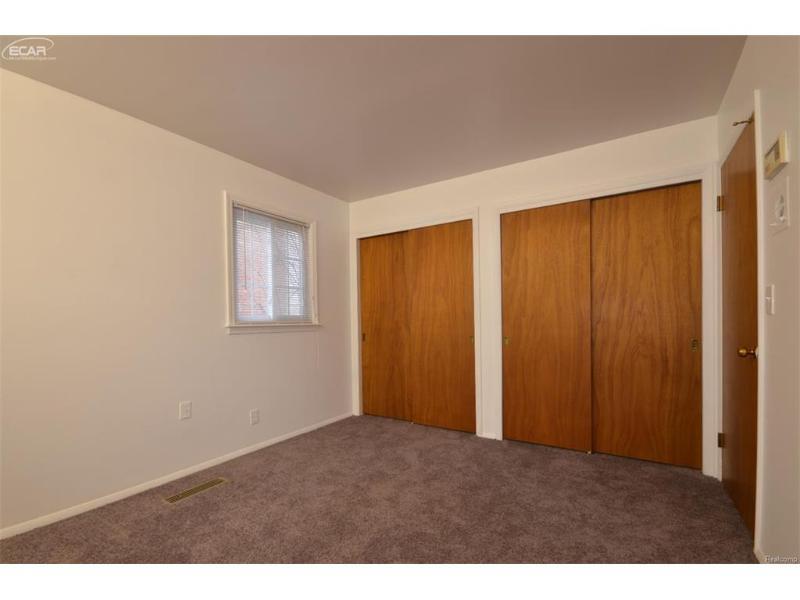 4413  Greenbrook Ln,  Flint, MI 48507 by Remax Select $59,900