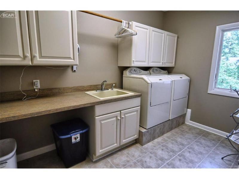 16074  Pine Bluff Ct,  Fenton, MI 48430 by Remax Platinum Fenton $599,999