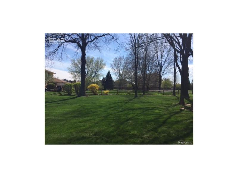 1410  Kings Carriage Rd,  Grand Blanc, MI 48439 by Berkshire Hathaway Homeservices Michigan Real Esta $202,500