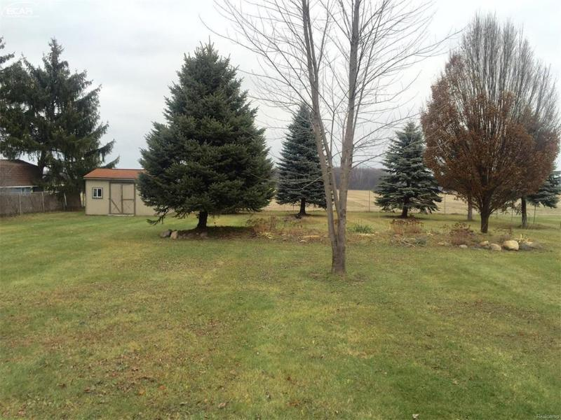 4296  Hill Rd,  Swartz Creek, MI 48473 by Remax Platinum Fenton $109,000
