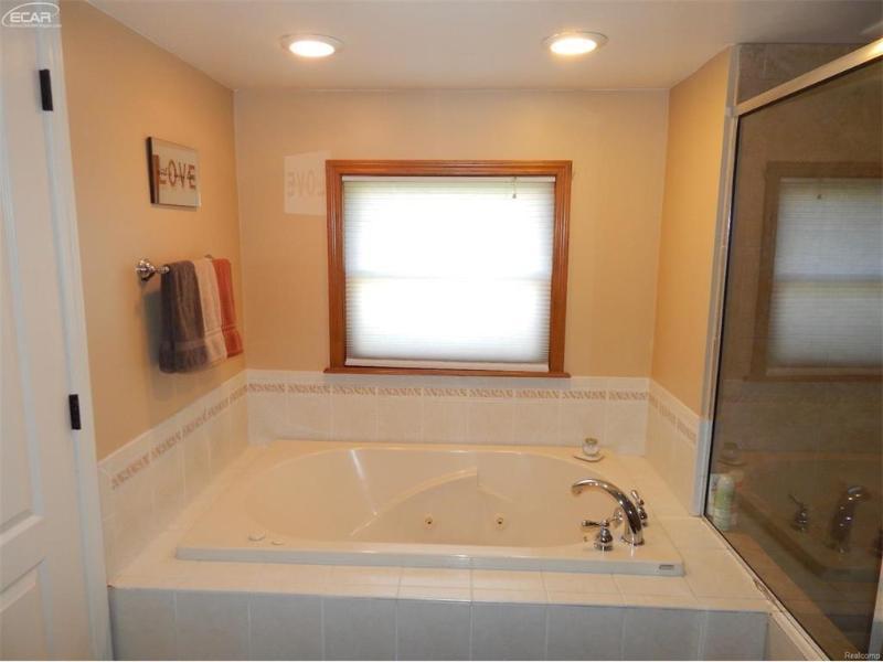 203  Primrose Ln,  Flushing, MI 48433 by Remax Town & Country $239,900