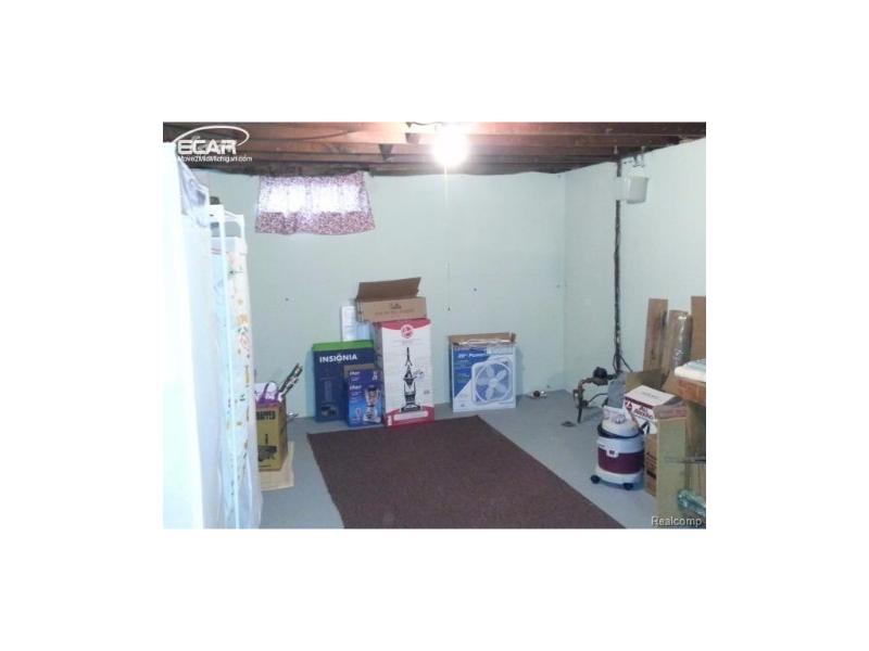 3113  Pencombe Pl,  Flint, MI 48503 by Remax Real Estate Team $24,900