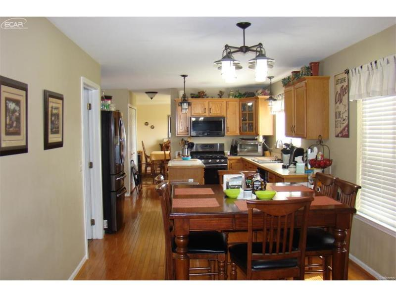 7464  Waterfall Dr,  Grand Blanc, MI 48439 by Remax Platinum Fenton $265,000