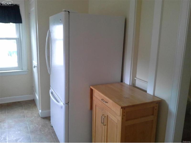 529 E Broad St,  Linden, MI 48451 by Remax Platinum Fenton $1,200