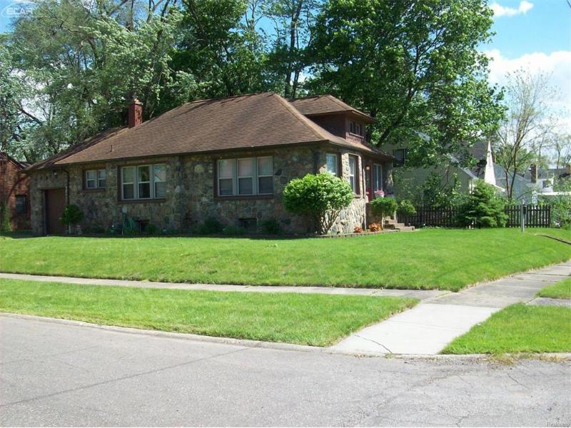 1101 E Vernon Dr,  Flint, MI 48503 by Century 21 Woodland Realty $59,900