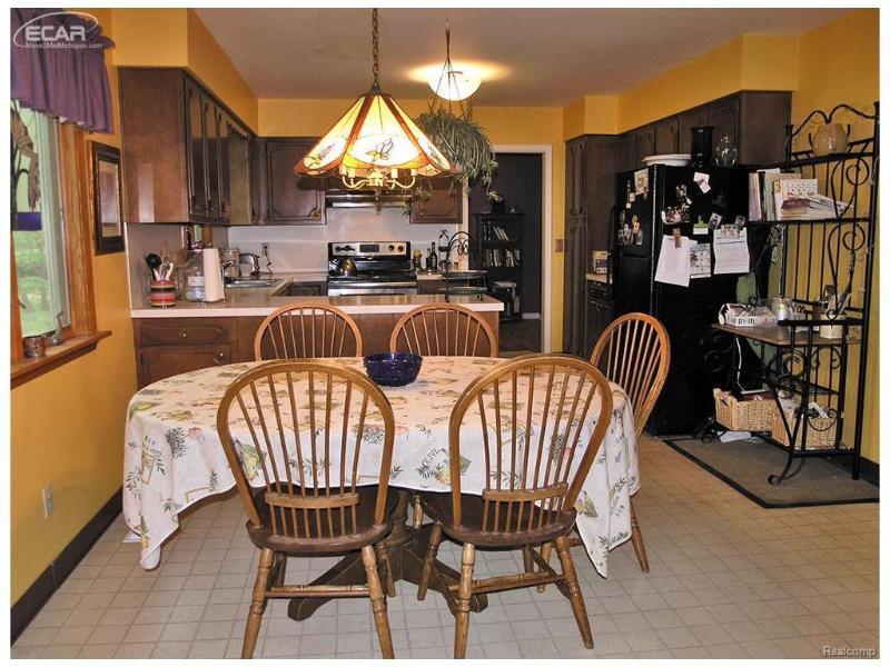 2254  Hermitage Dr,  Davison, MI 48423 by Remax Grande $148,900