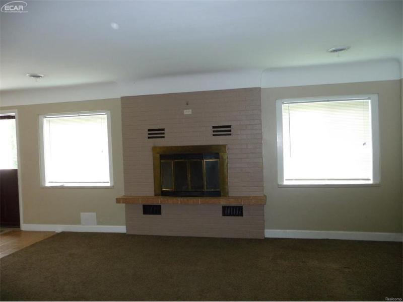 7274  Linden Rd,  Swartz Creek, MI 48473 by Remax Platinum Fenton $129,900