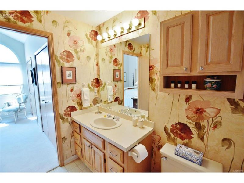 8052  Pepperwood Dr,  Grand Blanc, MI 48439 by Remax Grande $230,000