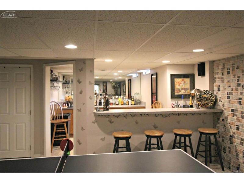 245  Aberdeen Ct,  Flushing, MI 48433 by Lucy Ham Group Inc $169,900