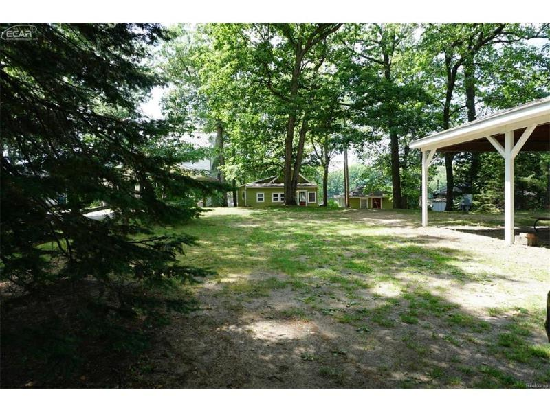 15224  Murray Rd,  Byron, MI 48418 by The Drury Group $189,000