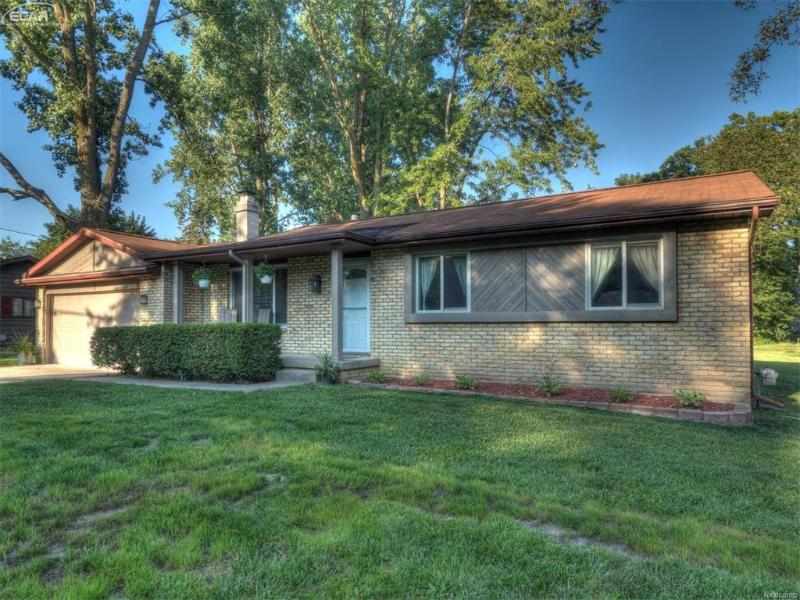 13231  Torrey Rd,  Fenton, MI 48430 by American Associates Inc $164,900