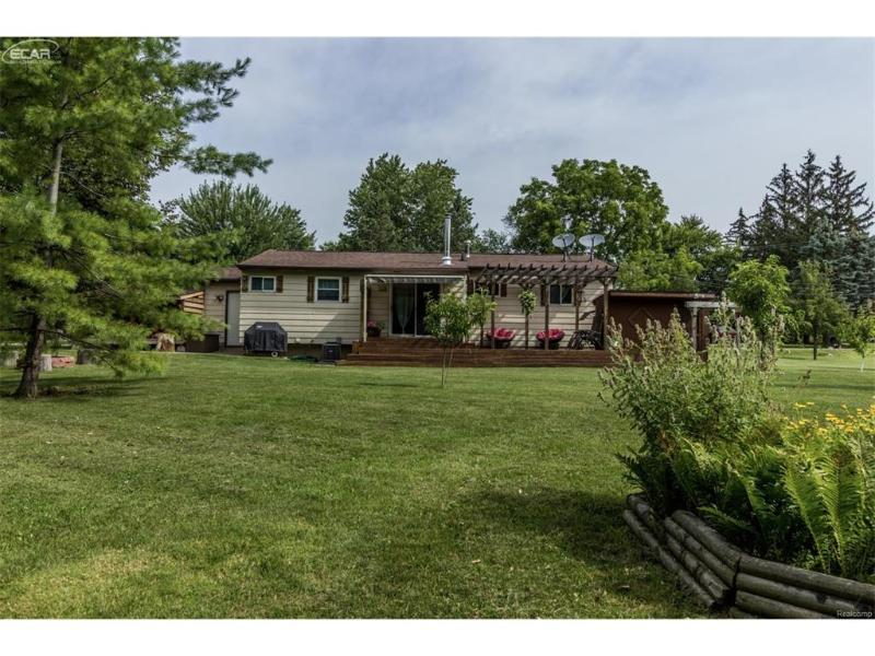 6466  Wagner Ave,  Grand Blanc, MI 48439 by Remax Platinum Fenton $129,999
