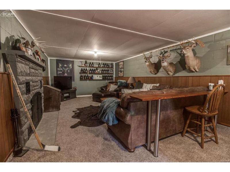 701  Silver Lake Rd,  Linden, MI 48451 by Remax Platinum Fenton $204,999
